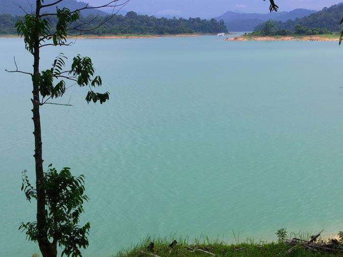 Kenyir Lake turquoise water