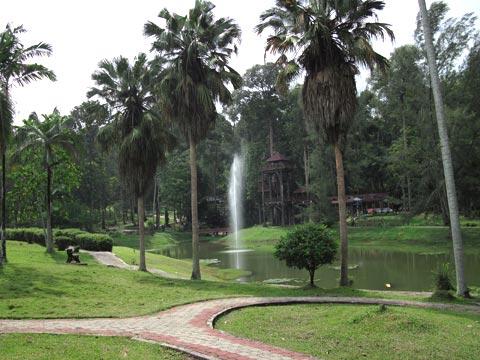 lake at taman botani negara shah alam