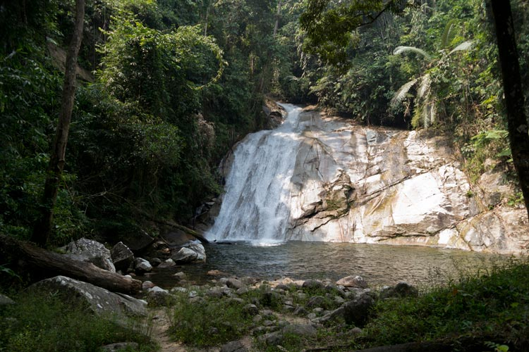 Lata Berembun waterfall